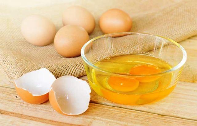Egg Yolk Mask For Winter Skin Care