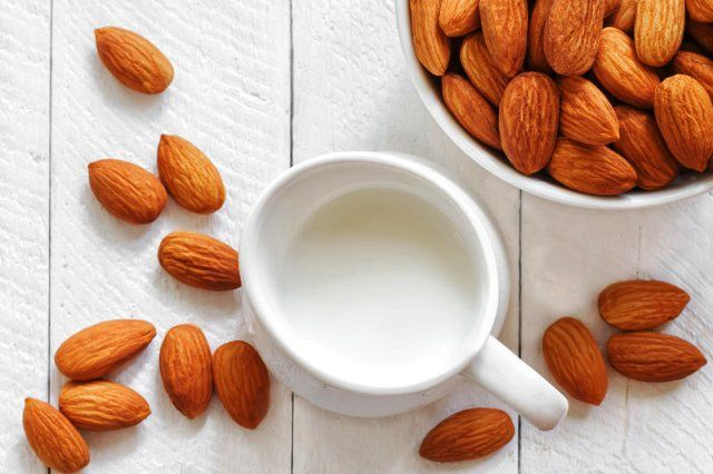 Milk And Almond Face Pack