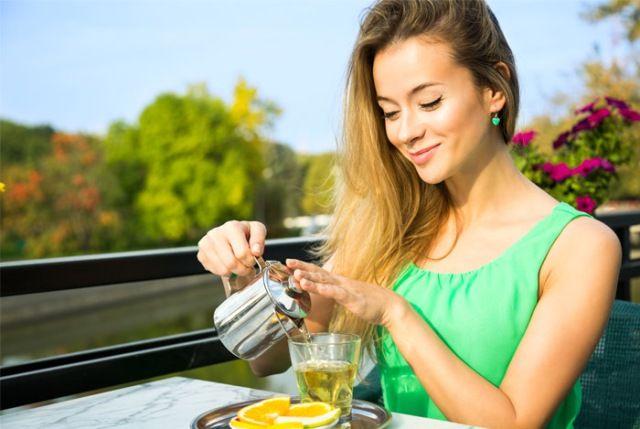 Lemon Tea For Healthy Skin