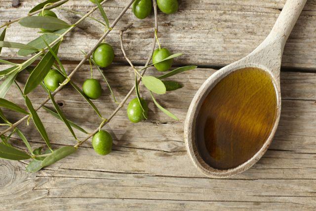 Olive Oil Controls Cholesterol