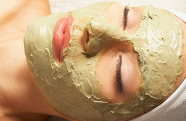 Clay Mask Removes Blackheads