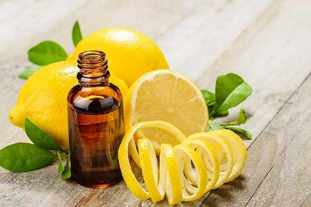 Lemon Peel Mixed With Castor Oil For Eyelashes