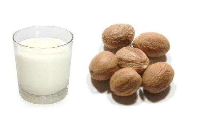 Milk And Nutmeg Removes Blackheads