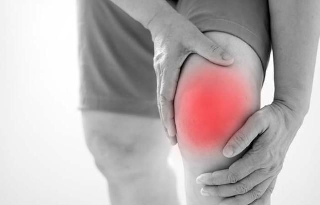 Rosemary Oil Alleviates Muscle And Joint Pain