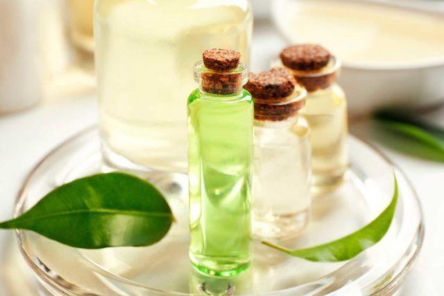 Tea Tree Oil Removes White Spots From Skin